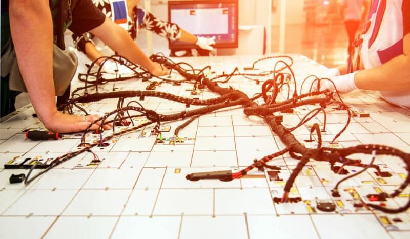 Kabel- und Kabelbaumtechniken
